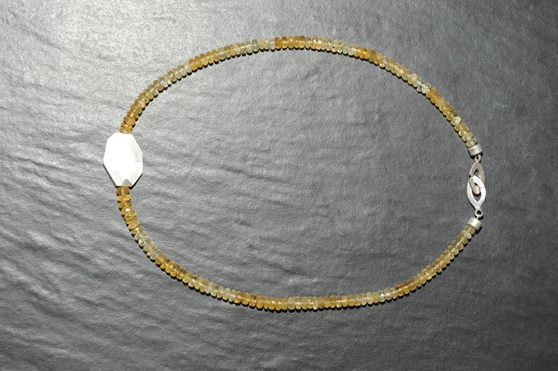 Halskette, vollfacettierte Heliodor-Rondelle und 925-Sterling-Silber-Nugget 7669e44d7c